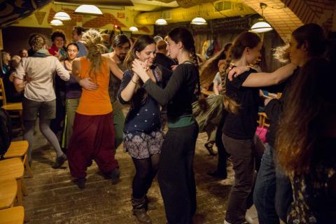 Folk-Tanz-Abend